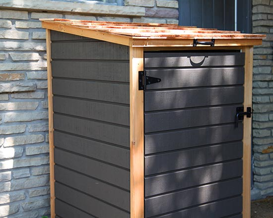 Shed for single garbage bin or recycling bin